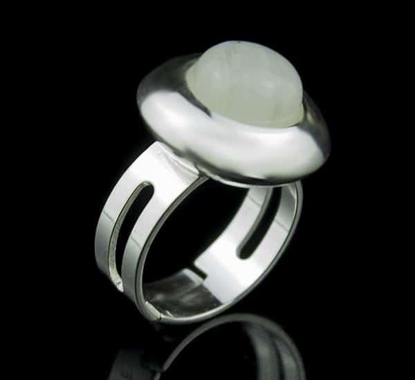 Anillo ajustable en Plata de Ley 925 mls y Piedra Luna natural mod. 250109500