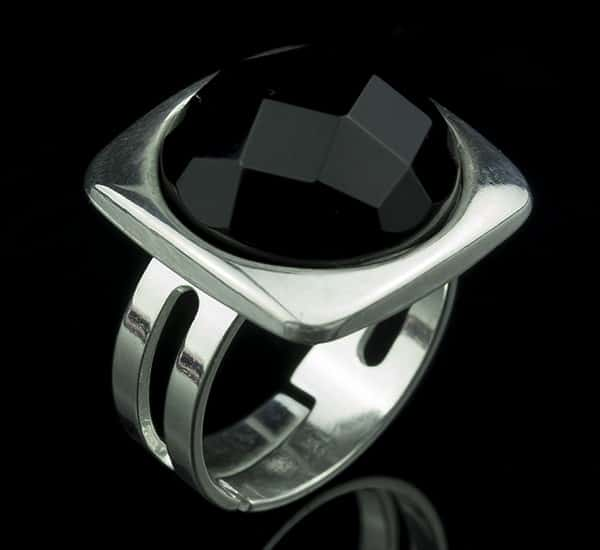 Anillo ajustable en Plata de Ley 925 mls y Ónix natural facetado mod. 250101605