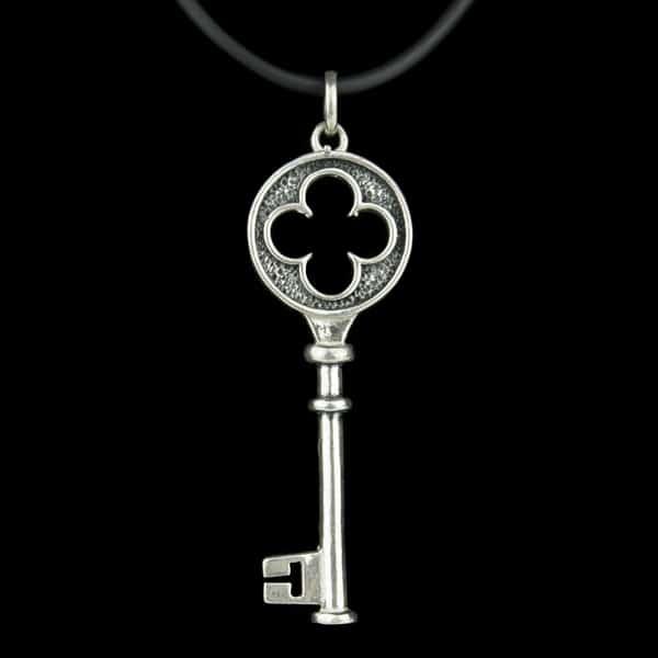 Colgante llave de plata