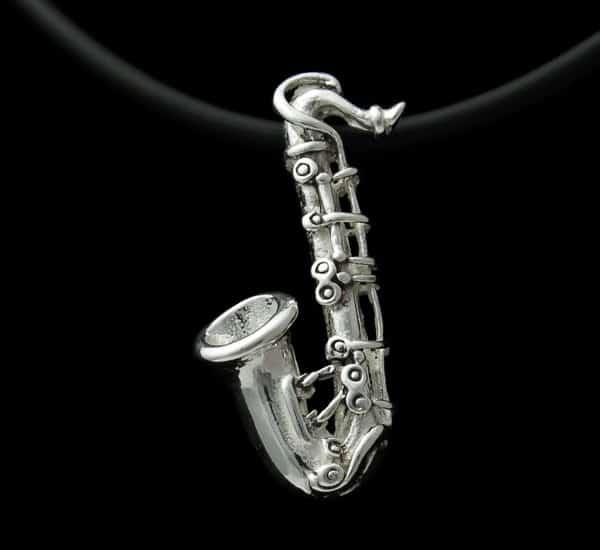 Colgante en Plata de Ley 925 mls – Instrumento Musical (Saxofón)