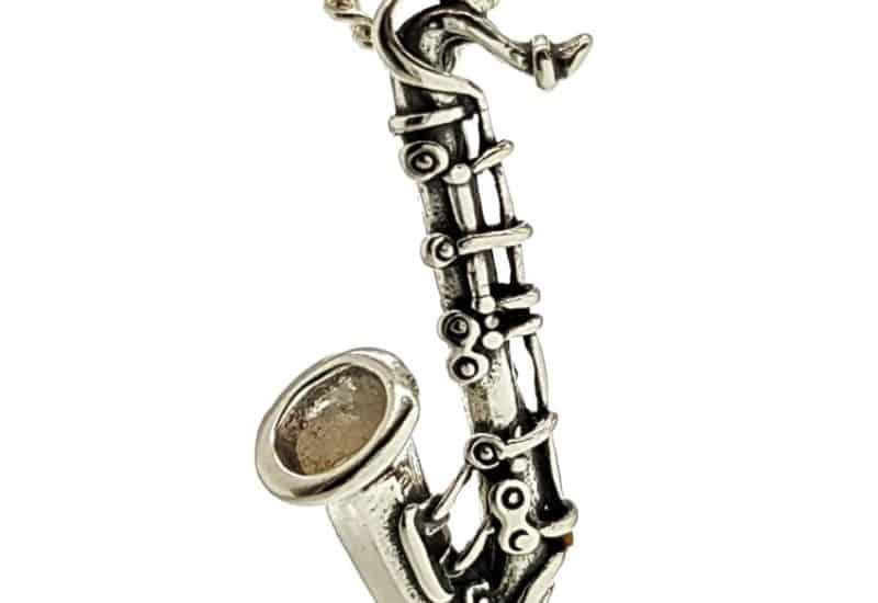 Colgante instrumento musical saxofón en plata