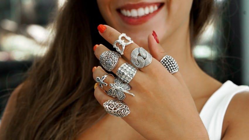 Los anillos de plata más atractivos los tienes aquí