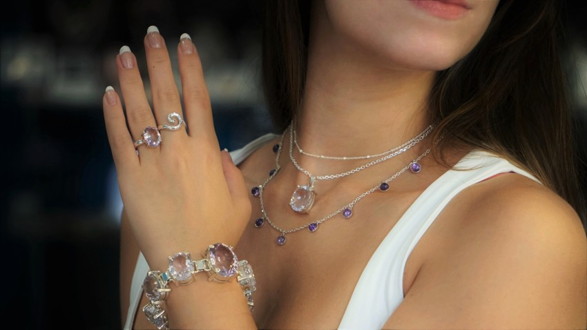 Selección de joyas de cuarzo amatista