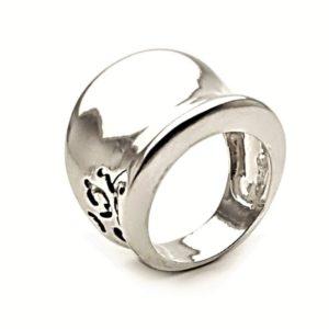anillo diseño montura plata