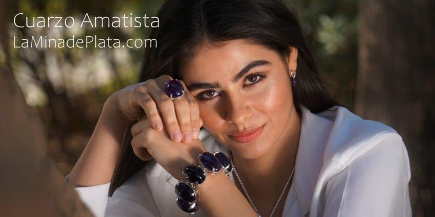 Joyas exclusivas de cuarzo amatista, pulsera y anillos en plata