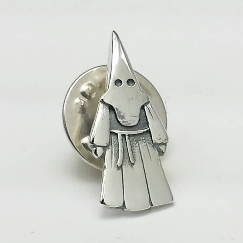 Pin del nazareno en plata