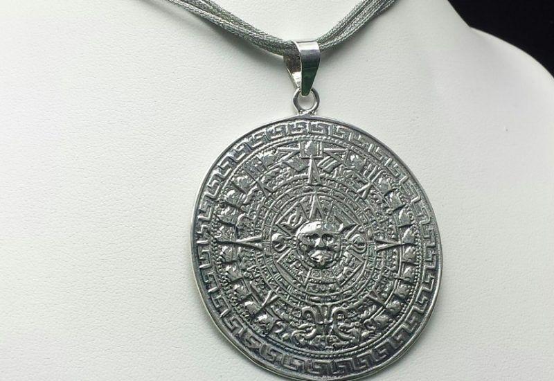 Colgante en Plata de Ley 925 mls – Calendario Azteca