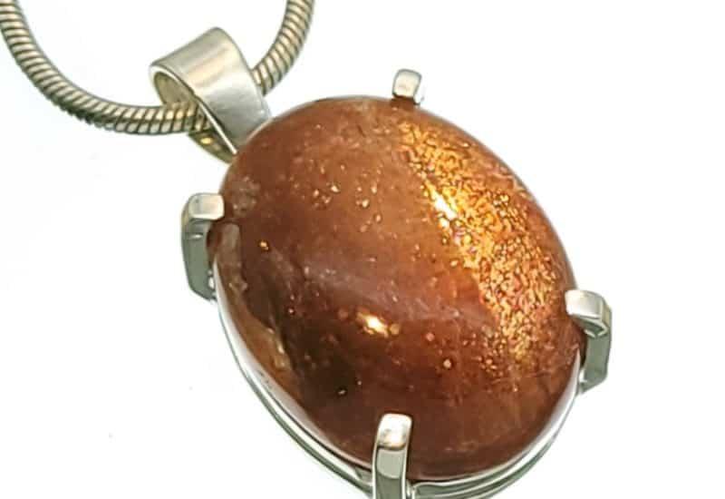 Colgante Piedra Sol de cabujón oval en plata 925