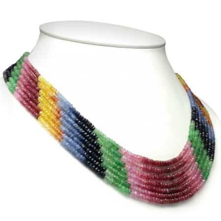 Collar piedras semipreciosas de heliodoro, zafiro, esmeralda y rubí