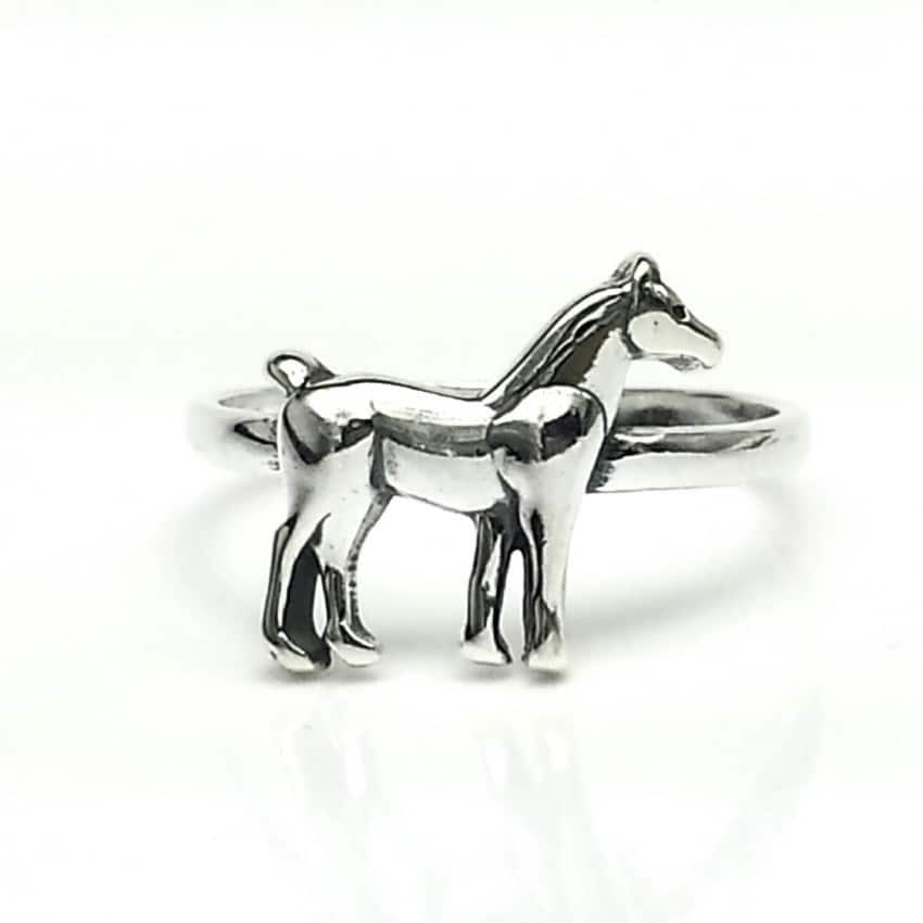 Anillo caballo