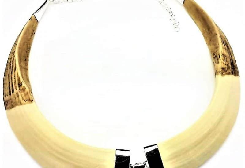 Gargantilla en Plata de Ley 925 mls – Colmillos de Jabalí (Resina)