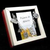 Preciosa pulsera fabricada en plata de ley 925 que lleva colgantes con motivos relacionado con la ciudad de Almería: Castillo de Tabernas, l Virgen del Mar de Almería, catedral de la Encarnación, Índalo, Faro, Sol de Portocarrero.