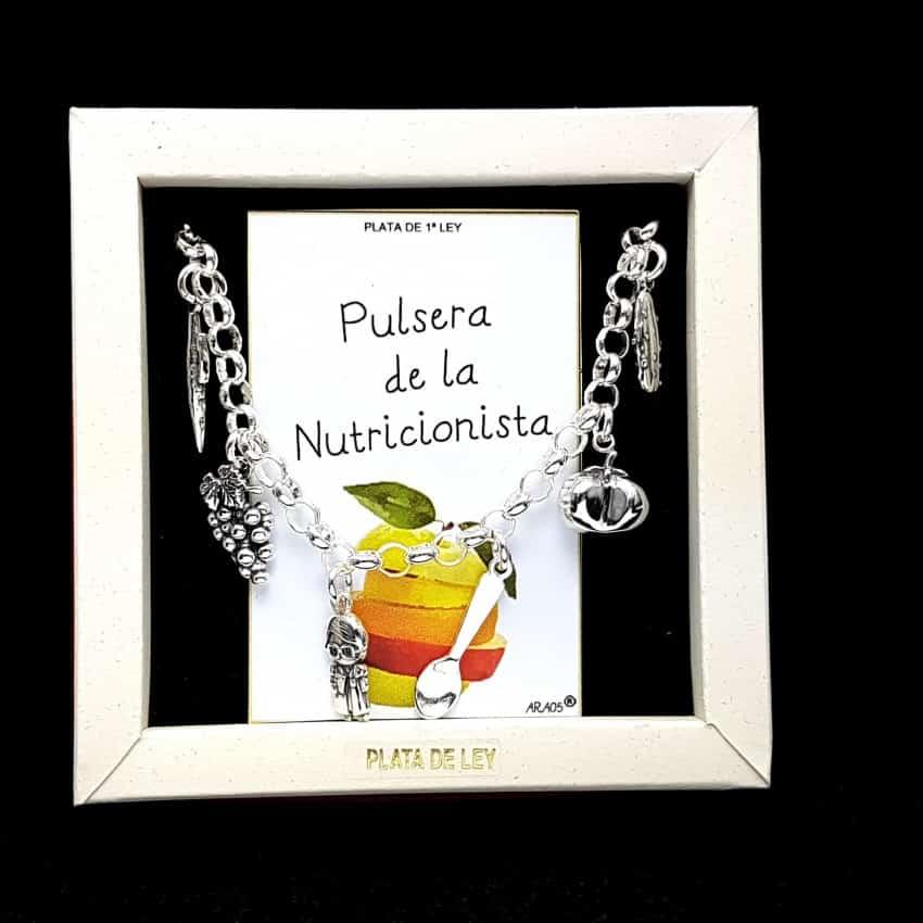 Pulsera de la nutricionista, fabricada en plata.