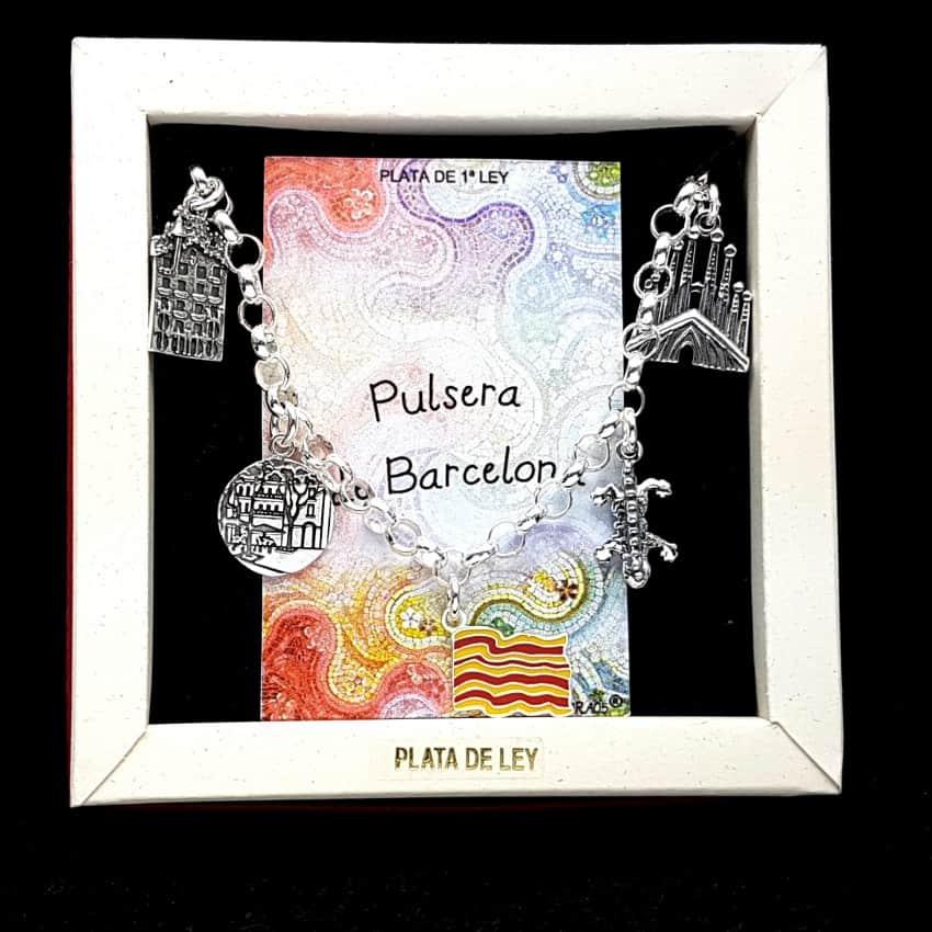 pulsera de Barcelona, fabricada en plata.