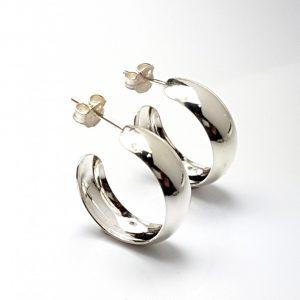 Pendientes de plata, Argollas fabricadas en plata con cierre de presión.