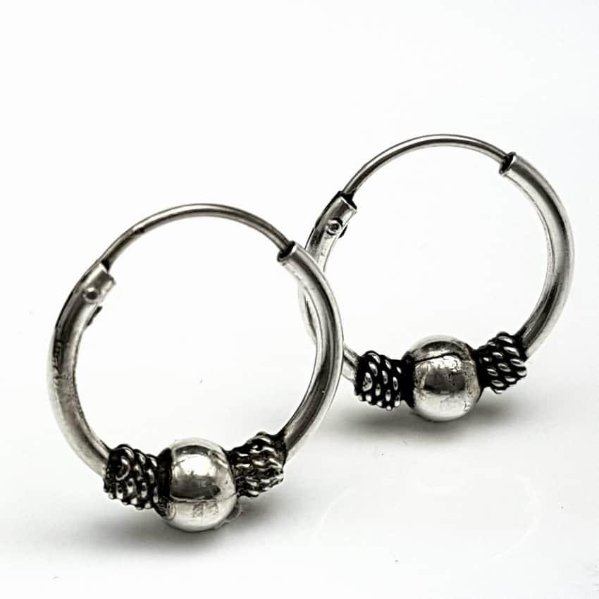 Argollas pequeñas de plata