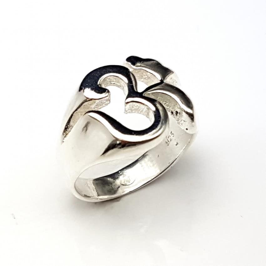 Anillo símbolo Om en plata