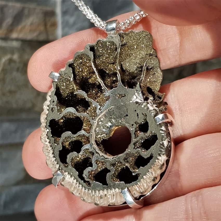 Colgante ammonites piritizado