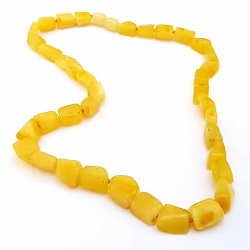 533c3e8ae523 Collar con ámbar amarillo de Polonia