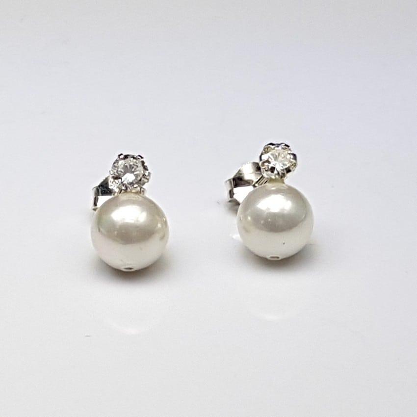 Pendientes de plata con perlas sintéticas y circonita.