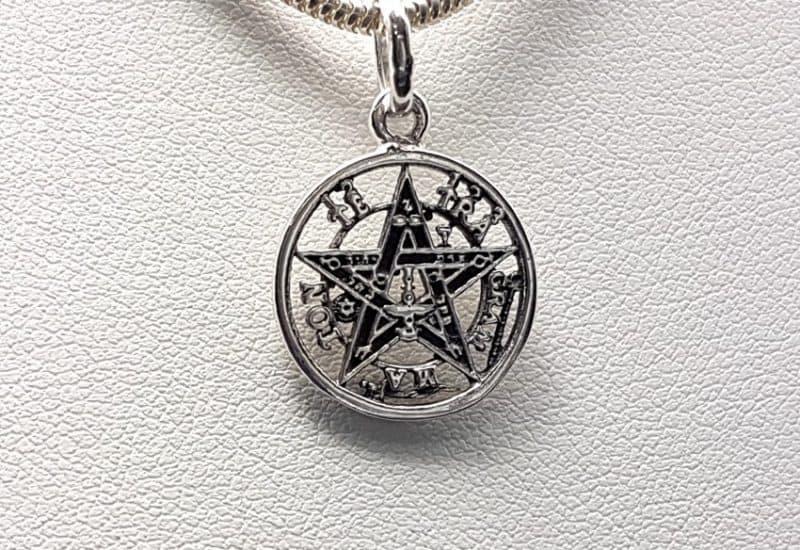 Colgante en Plata de Ley 925 mls – Tetragrammaton