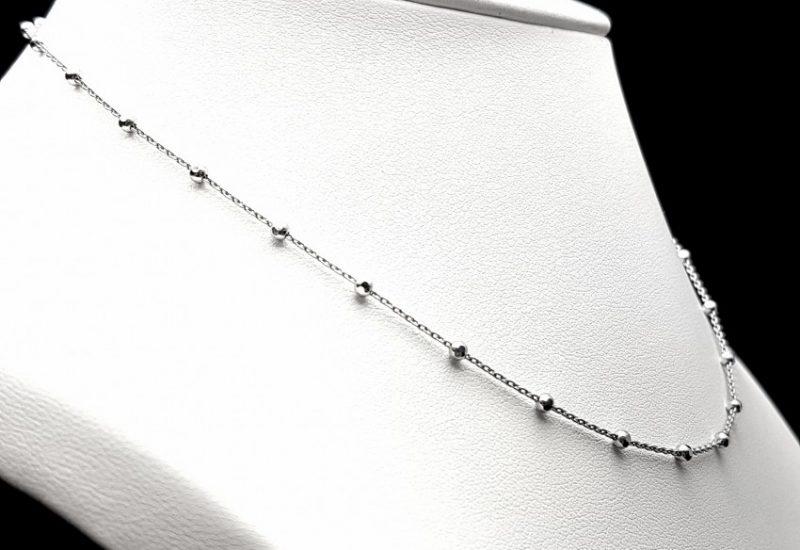 Cadena en Plata de Ley 925 mls  Bolas diamantadas (facetadas) de 2 mm- 40 cm