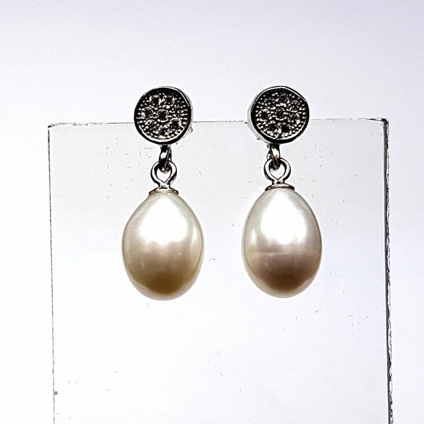 Pendientes de plata con perla y circonitas.