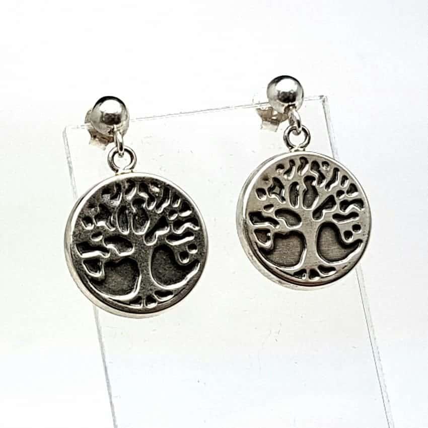 Pendientes de plata con árbol de la vida.