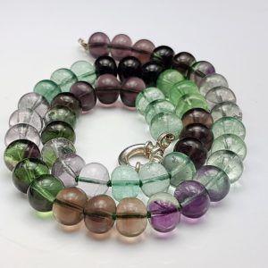 Hermoso Collar con diversas tonalidades de la fluorita
