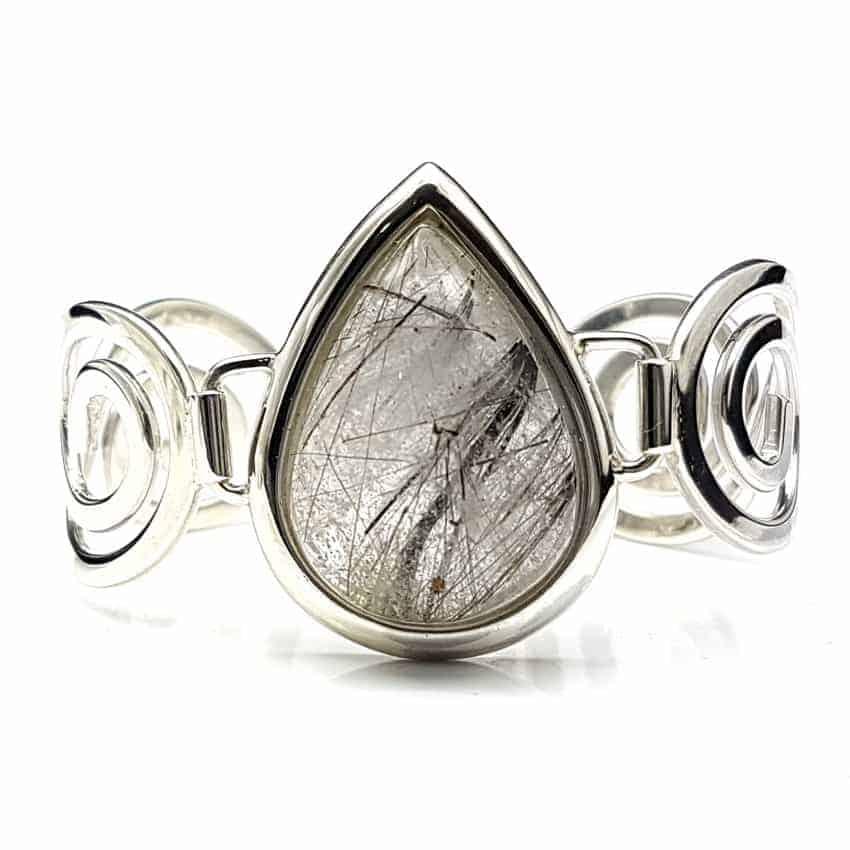Pulsera de plata y cabujón de cuarzo turmalinado, forma de gota.
