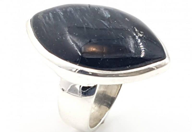 Anillo de Numita fabricado en plata de ley 925 mls