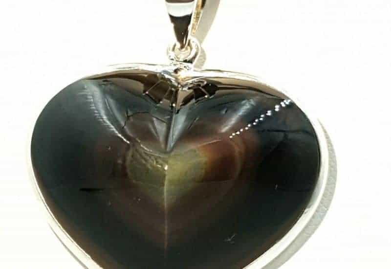 Colgante de Obsidiana Arcoíris fabricado en plata de ley 925 mls – Corazón