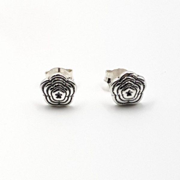 Pendientes con flor en plata