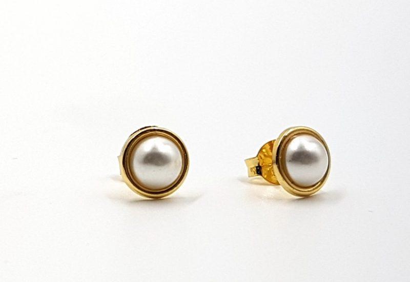 Pendientes en Plata de Ley 925 mls con baño de oro – Perla sintética