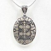 Colgante ovalado en plata