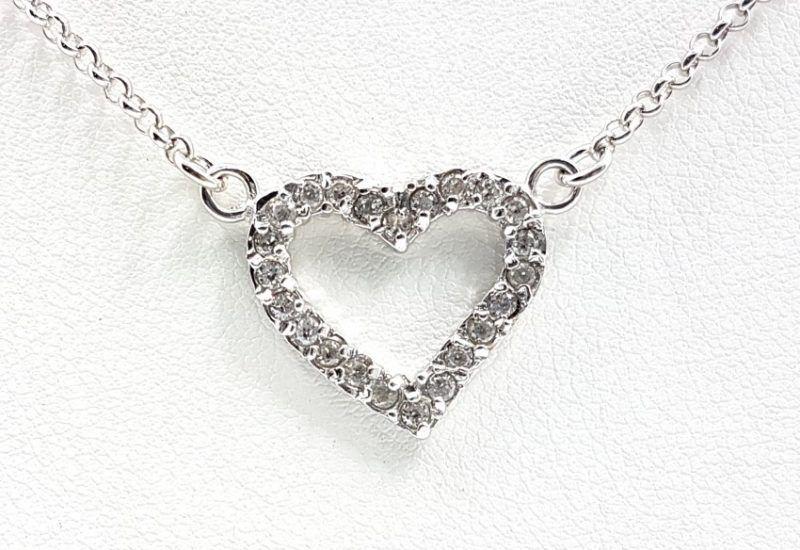 Colgante Corazón con circonitas y gargantilla en Plata de Ley 925 mls
