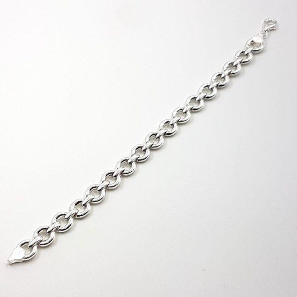 Pulsera de plata compuesta por argollas