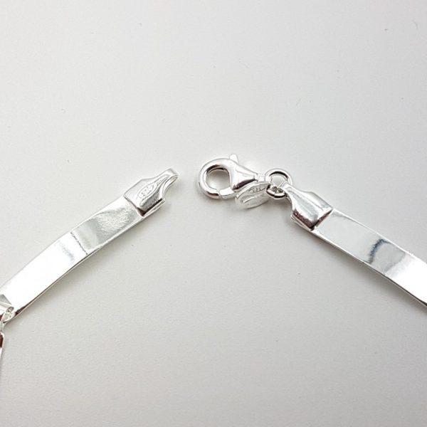 Pulsera de plata con chapitas planas
