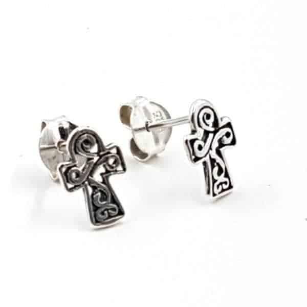 Pendientes con cruz fabricados en plata