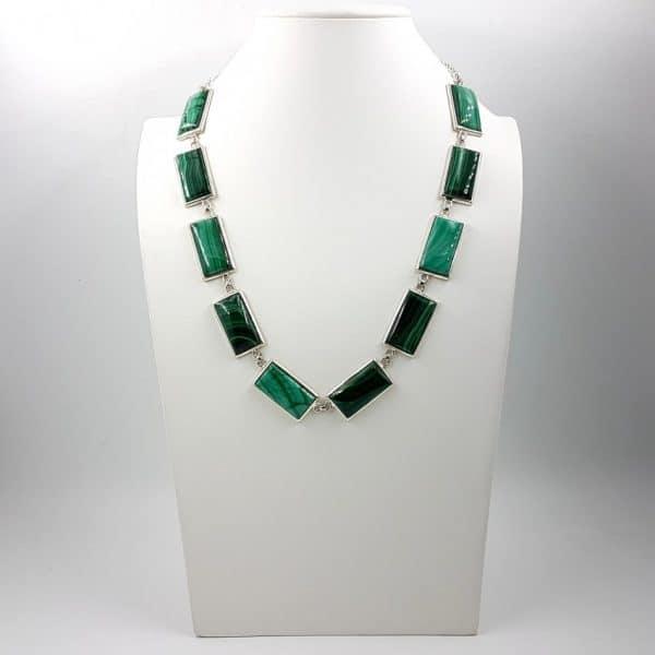Collar de Malaquita fabricado en plata