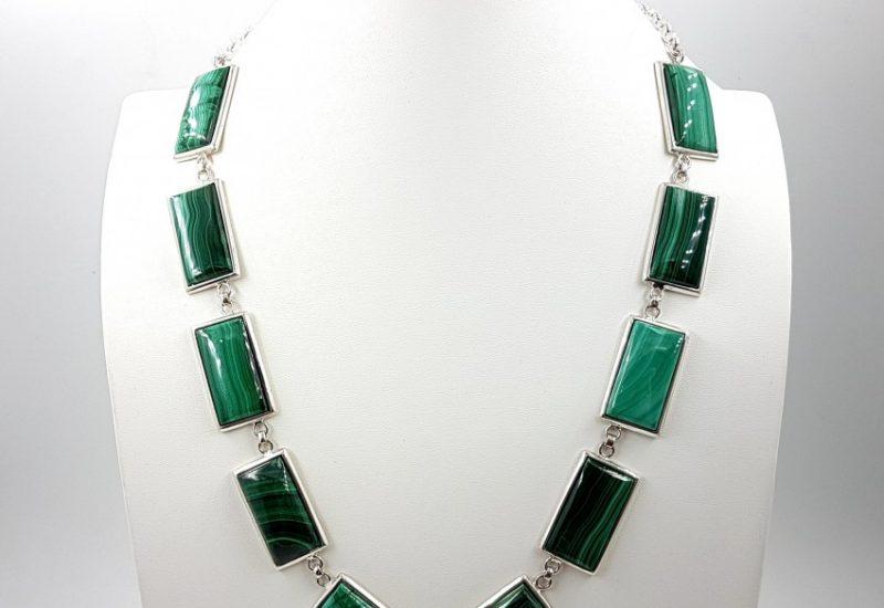 Espectacular collar de Malaquita fabricado en plata de ley