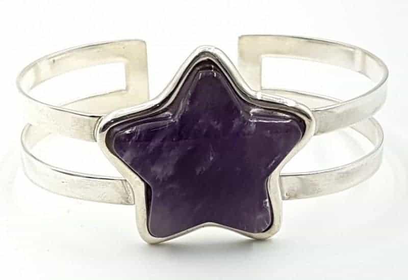 Pulsera de Cuarzo Amatista fabricada en plata de ley- Estrella