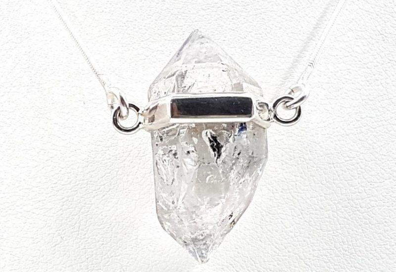 Colgante de Cuarzo Cristal de Roca fabricado en plata de ley