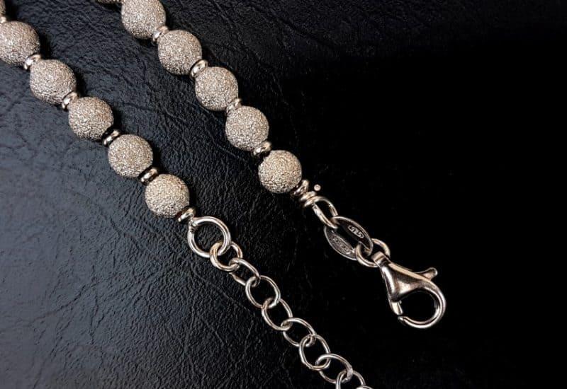 Cadena en Plata de Ley 925 mls rodiada con bolas diamantadas- 45 cm, bolas de 5 mm