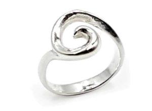 Anillo espiral en plata