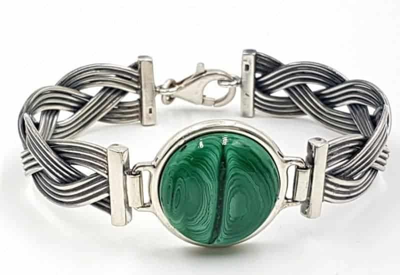 Pulsera de Malaquita con forma circular fabricada en plata de ley