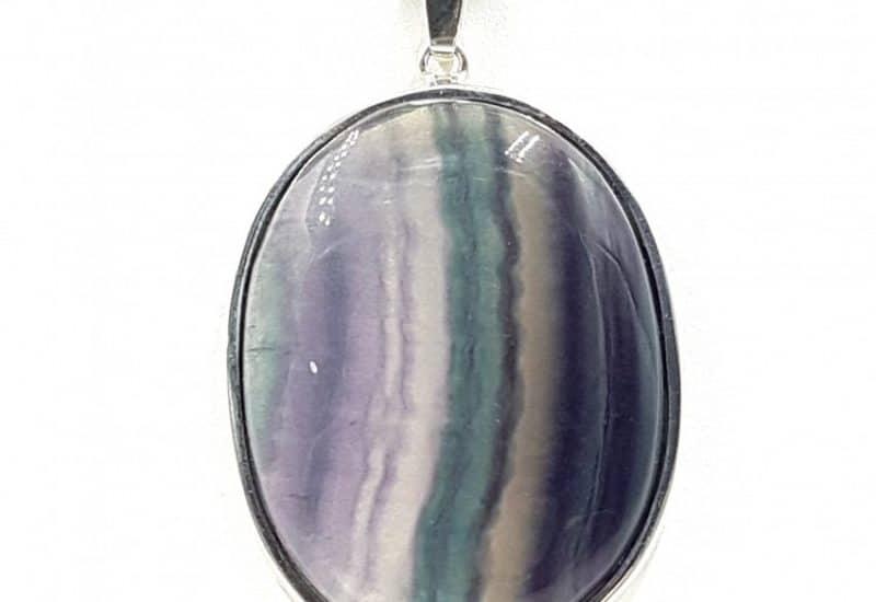 Colgante de Fluorita fabricado en plata de ley- forma oval