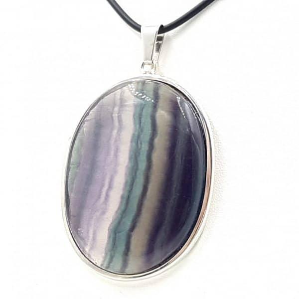 Colgante de fluorita en plata, forma oval
