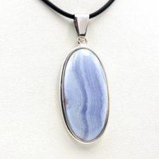 Colgante de calcedonia azul en plata, forma oval