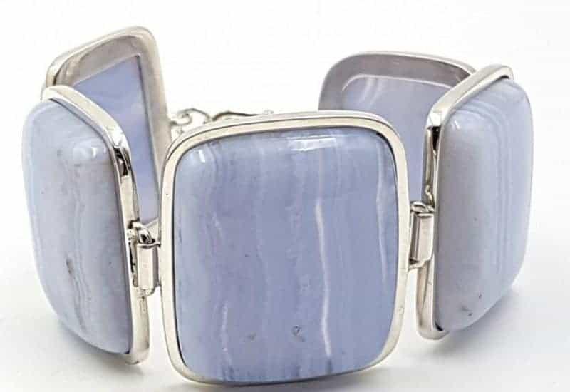 Pulsera de Calcedonia Azul fabricada en plata de ley – 18 cm